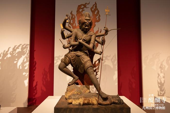 大徳寺の隆三世明王像